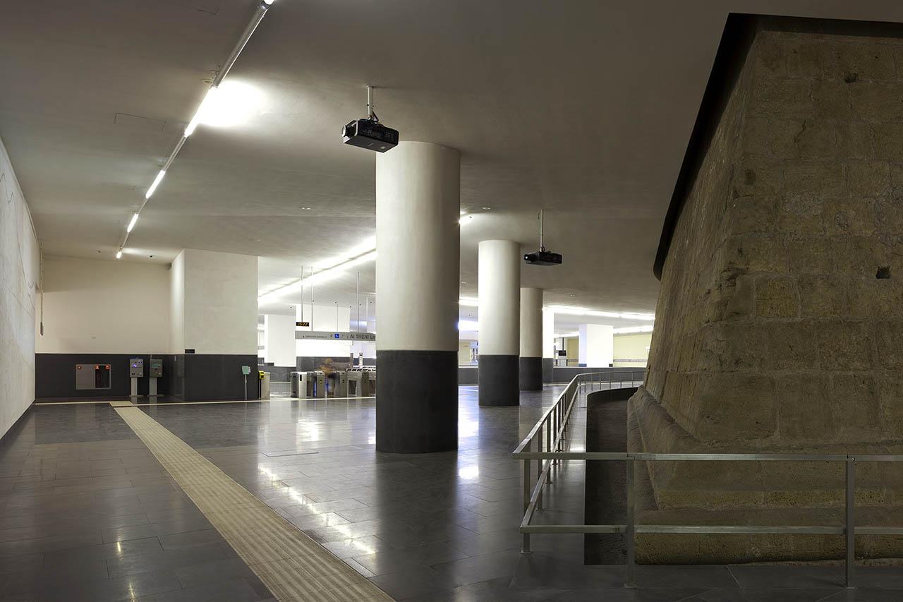 metropolitana di napoli - stazione municipio