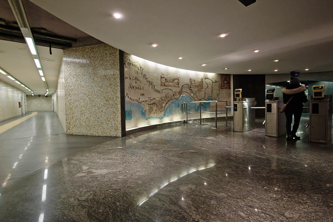 metro policlinico napoli
